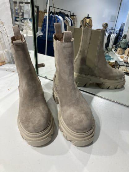boots er5160- semerdjian- hesmé